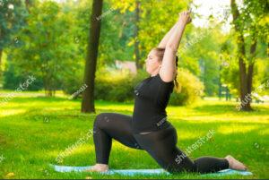plus-size-woman-yoga-pose