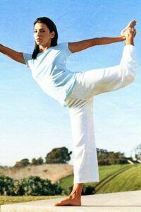 Eva-Longoria-yoga2