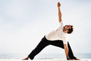 Jeremy-piven-yoga2