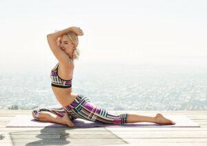 Kate-Hudson-yoga2