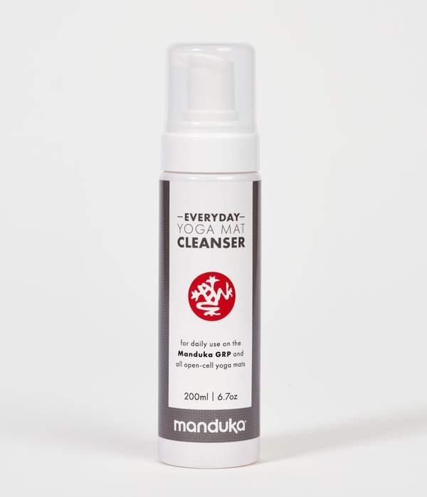 manduka-yogamat-cleanser